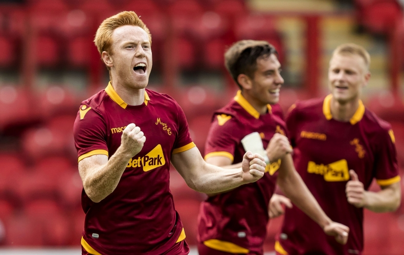 Motherwell top group after Clyde win