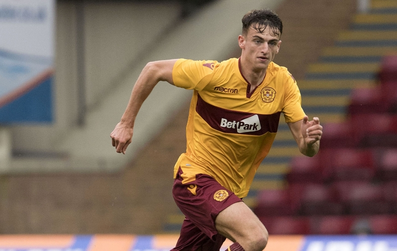 Barry Maguire loaned to Queens