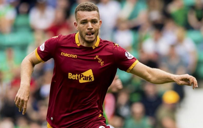 Aaron Taylor-Sinclair joins Crewe Alexandra