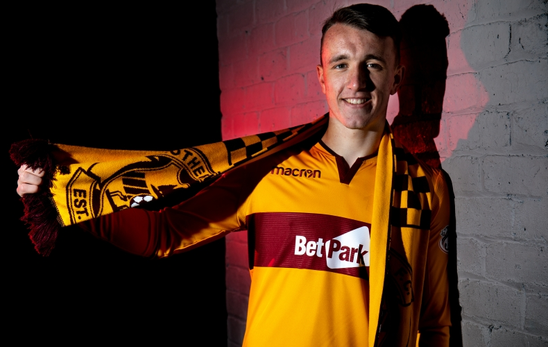 David Turnbull extends his Motherwell contract