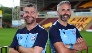 Robinson and Lasley sign new contracts