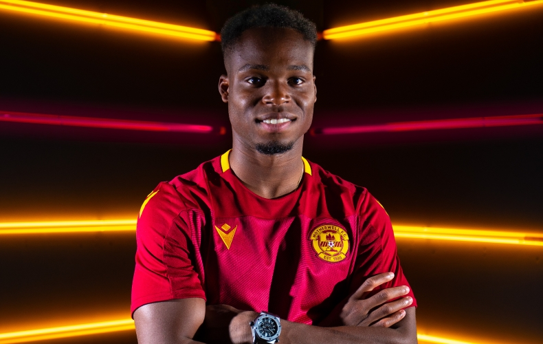 Sherwin Seedorf signs for Motherwell