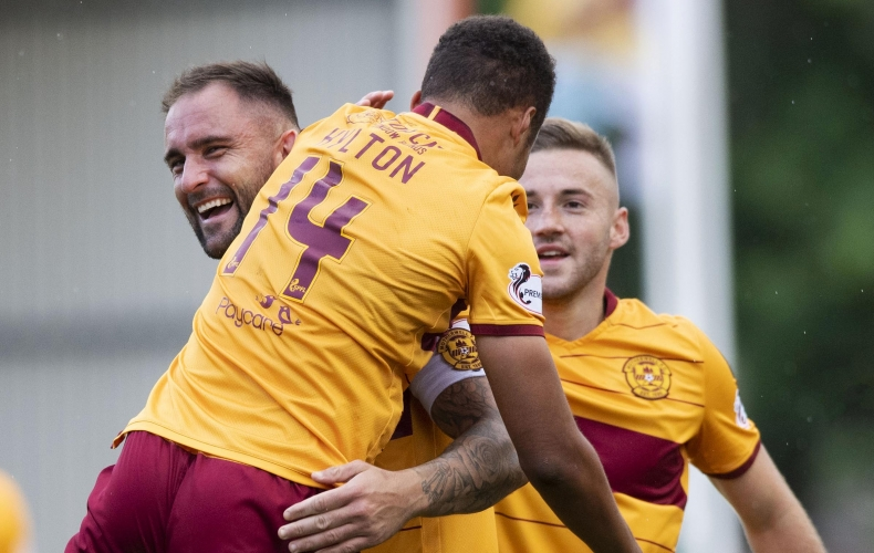 Motherwell run out 3-0 winners over Hibernian