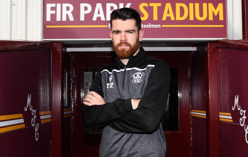 Liam Donnelly signs extended contract