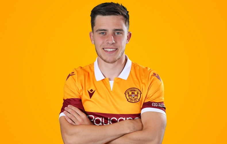 Ross MacIver joins Morton on loan