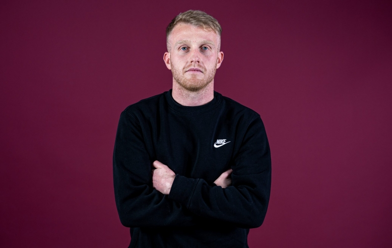 Robbie Crawford extends stay