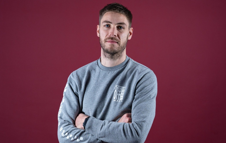 Sam Foley signs for Motherwell