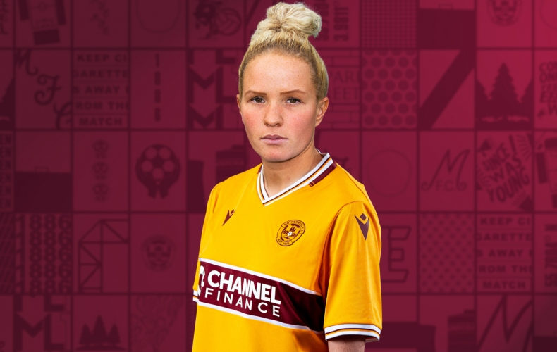 Courtney Whyte signs for Motherwell