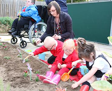 Victoria Park kids go gardening